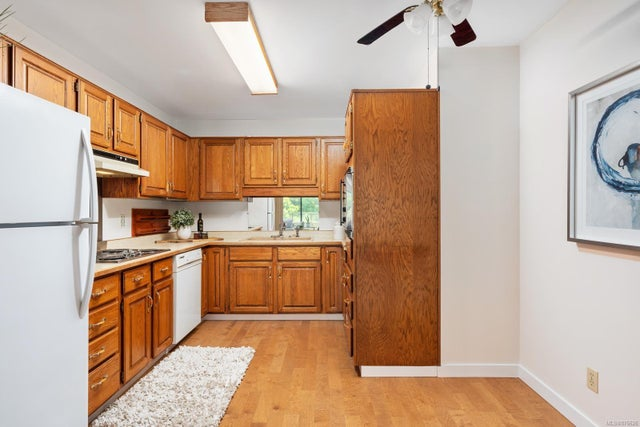 202 1175 Newport Ave - OB South Oak Bay Condo Apartment for sale, 2 Bedrooms (876626) #9