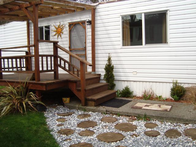 16 2520 QUINSAM ROAD - CR Campbell River West Manufactured Home for sale, 2 Bedrooms (373325) #1