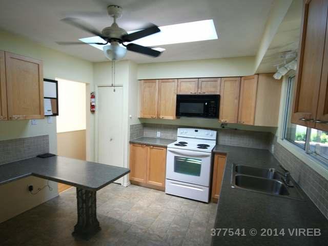 377 AITKEN STREET - CV Comox (Town of) Single Family Detached for sale, 3 Bedrooms (377541) #13