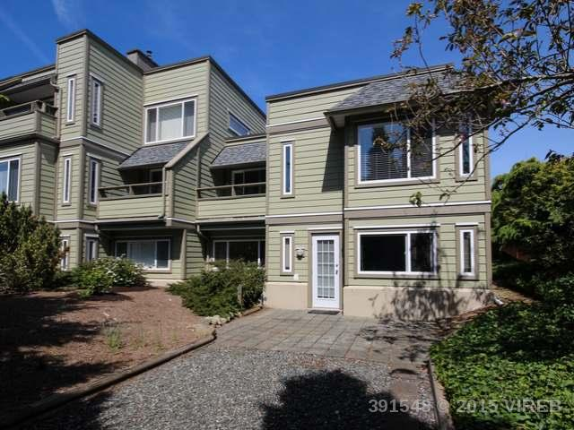 101 2250 MANOR PLACE - CV Comox (Town of) Condo Apartment for sale, 2 Bedrooms (391548) #1