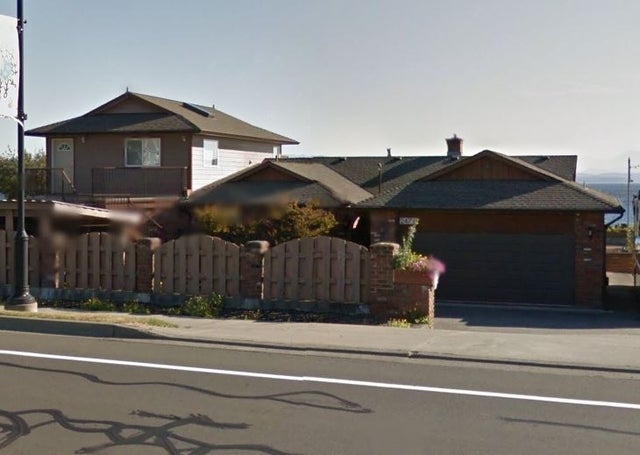 2471 S Island Hwy - Fully Furnished - CR Willow Point Single Family Detached for sale, 1 Bedroom  #2