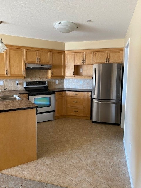350 S. Island Hwy - CR Willow Point Condo Apartment for sale, 2 Bedrooms  #7