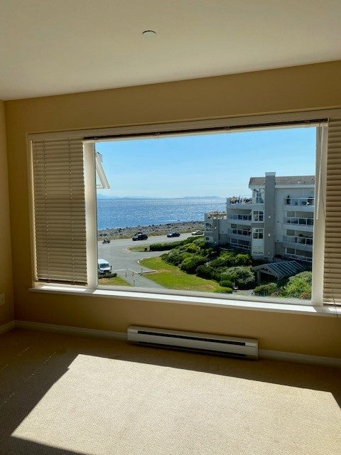 350 S. Island Hwy - CR Willow Point Condo Apartment for sale, 2 Bedrooms  #12