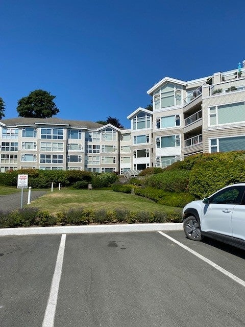 350 S. Island Hwy - CR Willow Point Condo Apartment for sale, 2 Bedrooms  #13
