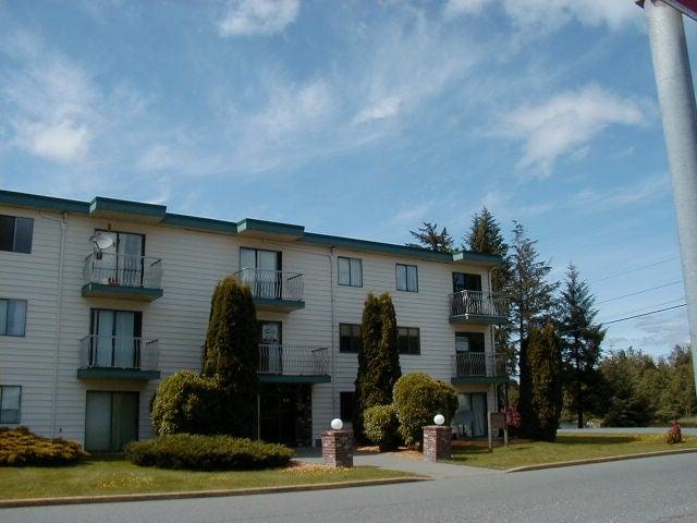 Bachelor - 303 611 MacMillan Dr - NI Kelsey Bay/Sayward Condo Apartment for sale #1
