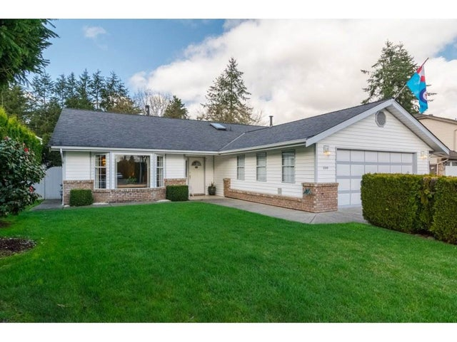 3399 196A STREET - Brookswood Langley House/Single Family for sale, 2 Bedrooms (R2151195)