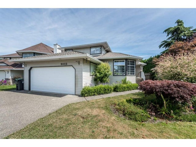 9022 203B STREET - Walnut Grove House/Single Family for sale, 3 Bedrooms (R2187674)