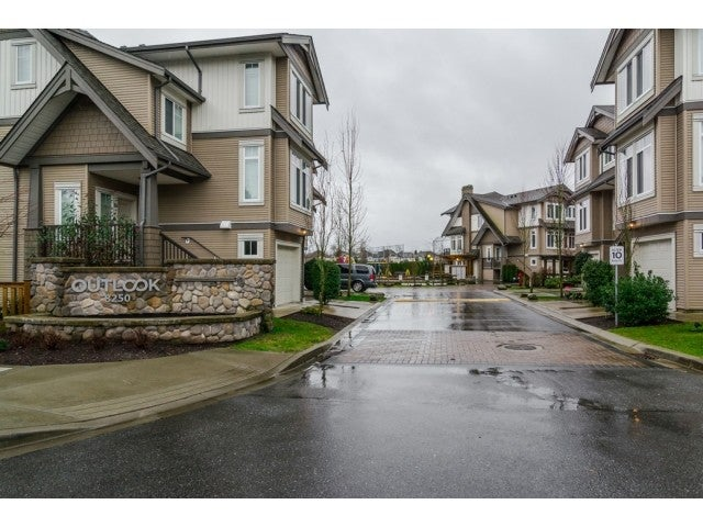 # 68 8250 209B ST - Willoughby Heights Townhouse for sale, 3 Bedrooms (F1423637) #3
