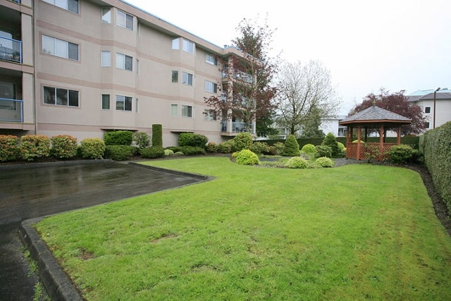 # 110 33110 George Ferguson Wy - Central Abbotsford Apartment/Condo for sale, 2 Bedrooms (F1111503) #1