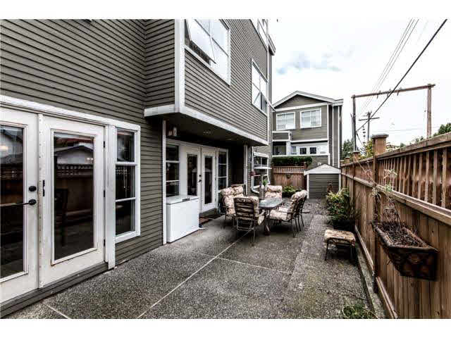 B1 240 W 16TH STREET - Central Lonsdale Townhouse for sale, 2 Bedrooms (V1140756) #12