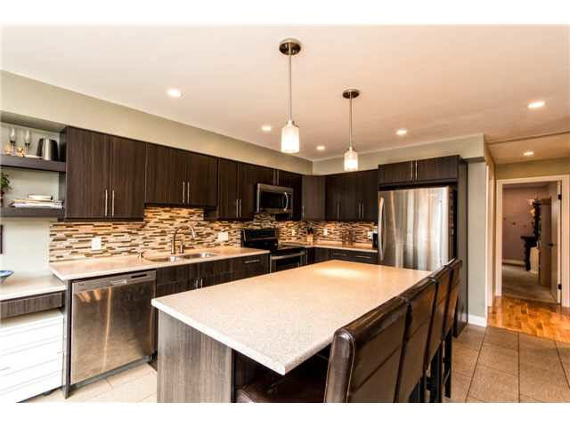 B1 240 W 16TH STREET - Central Lonsdale Townhouse for sale, 2 Bedrooms (V1140756) #4
