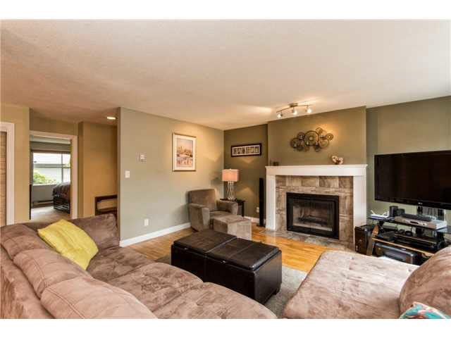B1 240 W 16TH STREET - Central Lonsdale Townhouse for sale, 2 Bedrooms (V1140756) #6