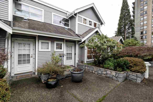 8 700 ST. GEORGES AVENUE - Central Lonsdale Townhouse for sale, 3 Bedrooms (R2019313) #1