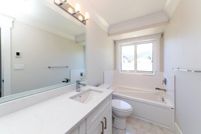 246 E 18TH STREET - Central Lonsdale 1/2 Duplex for sale, 3 Bedrooms (R2337162) #12