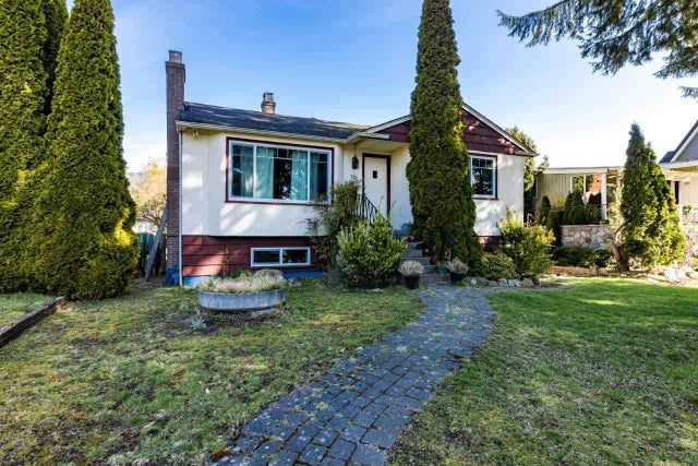 752 E 11TH STREET - Boulevard House/Single Family for sale, 4 Bedrooms (R2560531) #1