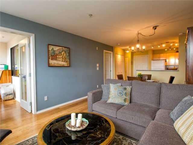 # 204 305 Lonsdale Av - Lower Lonsdale Apartment/Condo for sale, 2 Bedrooms (V980740) #1