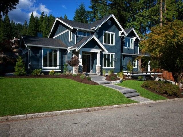 918 Frederick Rd - Lynn Valley House/Single Family for sale, 6 Bedrooms (V969120) #1