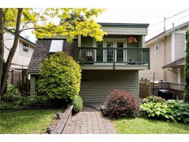 4284 Hoskins Rd - Lynn Valley House/Single Family for sale, 3 Bedrooms (V1066809) #1