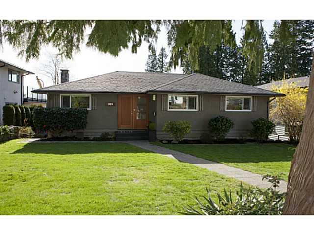 329 E 26TH ST - Upper Lonsdale House/Single Family for sale, 4 Bedrooms (V1109742) #1