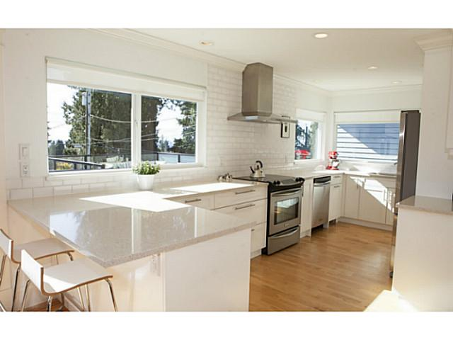 329 E 26TH ST - Upper Lonsdale House/Single Family for sale, 4 Bedrooms (V1109742) #2
