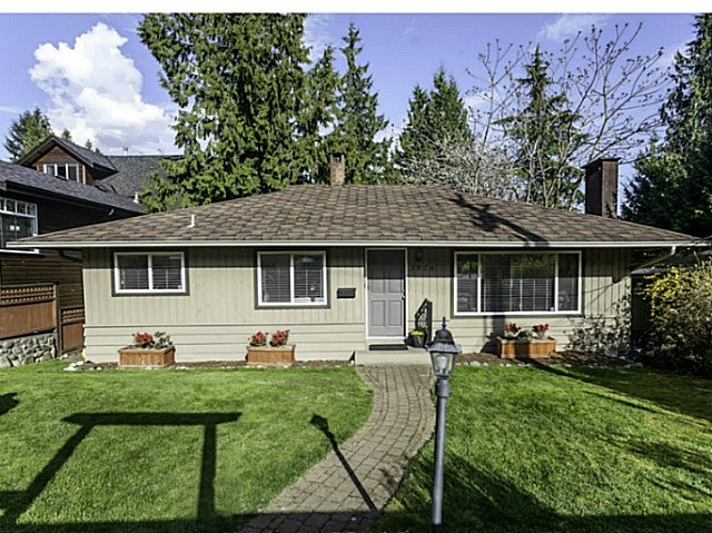 3976 MOUNTAIN HY - Lynn Valley House/Single Family for sale, 3 Bedrooms (V1116025) #1
