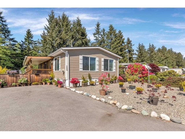 124 3031 200 STREET - Brookswood Langley Manufactured for sale, 2 Bedrooms (R2581153) #1