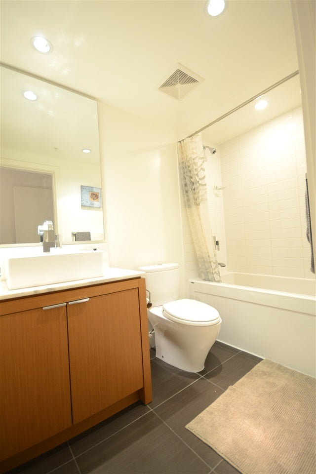 405 158 W 13TH STREET - Central Lonsdale Apartment/Condo for sale, 2 Bedrooms (R2125911) #7