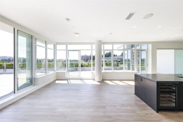 702 768 ARTHUR ERICKSON PLACE - Park Royal Apartment/Condo for sale, 3 Bedrooms (R2549644) #1