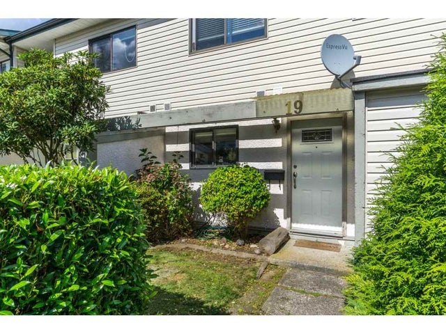 19 5261 204 STREET - Langley City Townhouse for sale, 3 Bedrooms (R2106642) #1