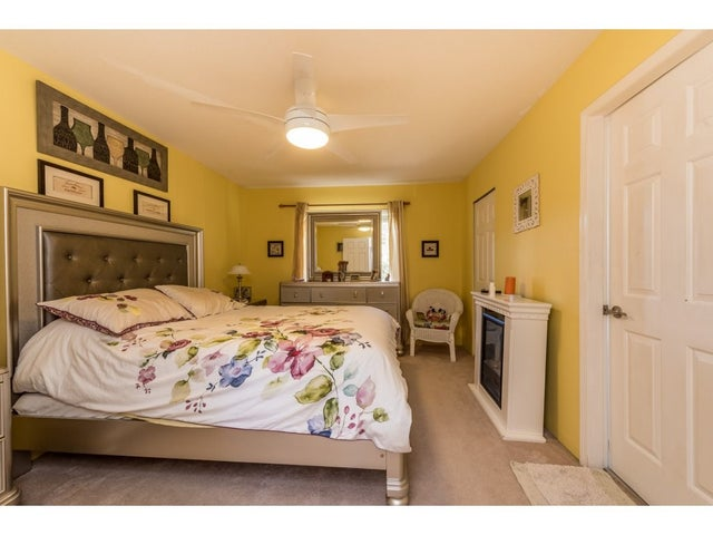 8969 160A STREET - Fleetwood Tynehead House/Single Family for sale, 5 Bedrooms (R2109899) #15