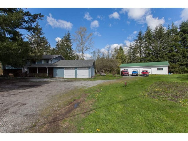 24455 ROBERTSON CRESCENT - Salmon River House with Acreage for sale, 4 Bedrooms (R2158548)