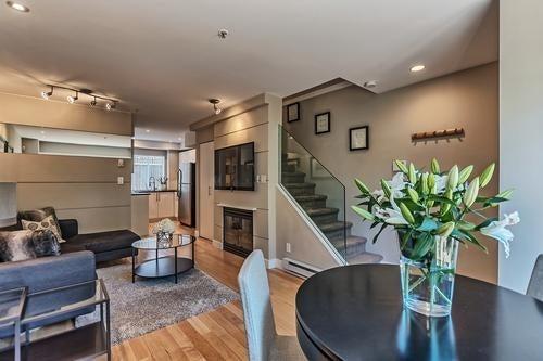 2108 YEW STREET - Kitsilano Apartment/Condo for sale, 2 Bedrooms (R2186004) #1