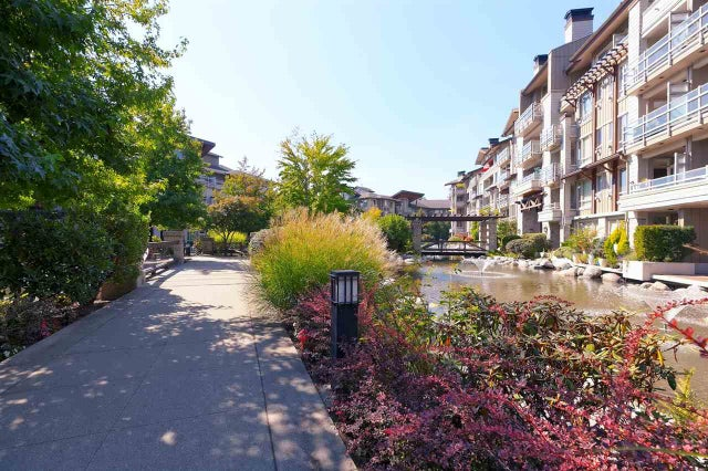 404 560 RAVEN WOODS DRIVE - Roche Point Apartment/Condo for sale, 1 Bedroom (R2303963) #1