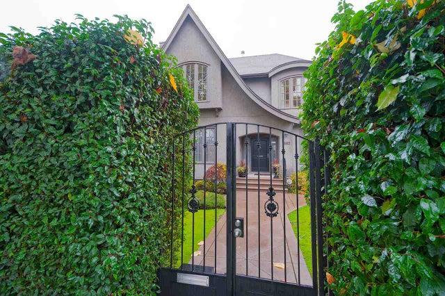 2715 W 10TH AVENUE - Kitsilano House/Single Family for sale, 4 Bedrooms (R2318881) #1