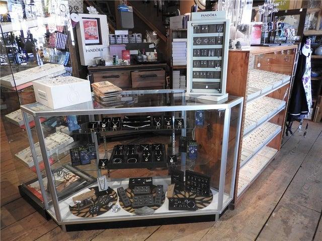 337 MARKET Avenue  - Grand Forks Retail for sale(2412839)