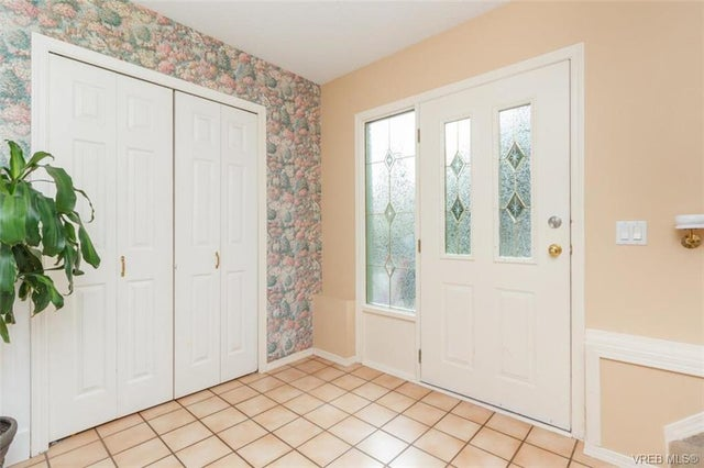2150 Malaview Ave - Si Sidney North-East Single Family Detached for sale, 4 Bedrooms (374090) #2