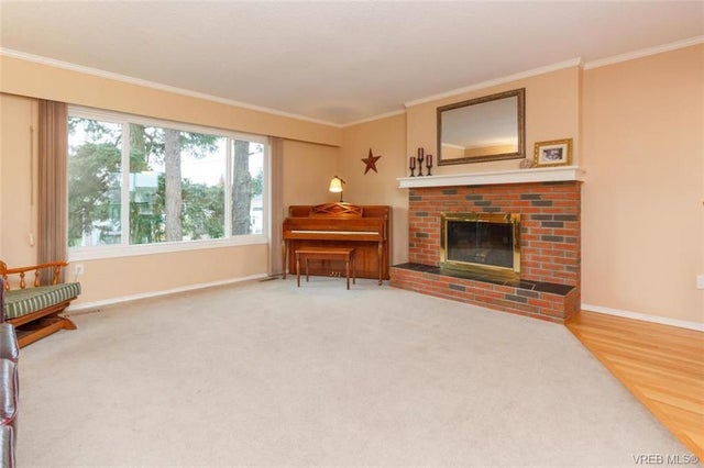 2150 Malaview Ave - Si Sidney North-East Single Family Detached for sale, 4 Bedrooms (374090) #3