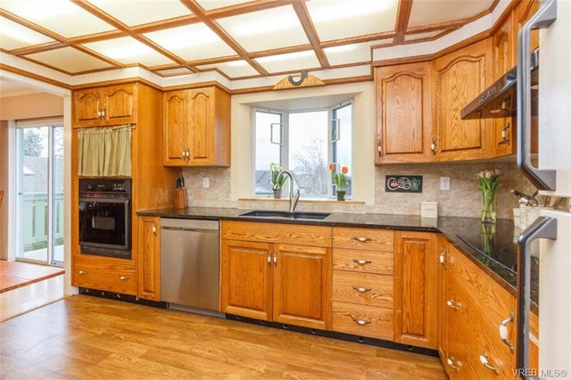 2150 Malaview Ave - Si Sidney North-East Single Family Detached for sale, 4 Bedrooms (374090) #6