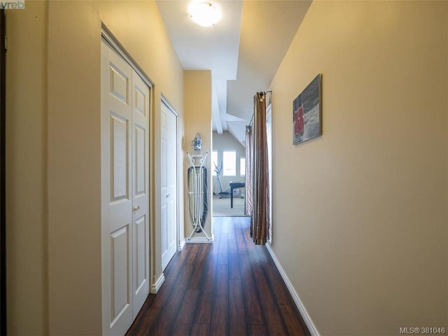 2477 Orchard Ave - Si Sidney South-East Single Family Detached for sale, 4 Bedrooms (381046) #10