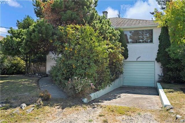 1705 Garnet Rd - SE Mt Tolmie Single Family Detached for sale, 3 Bedrooms (415677) #6