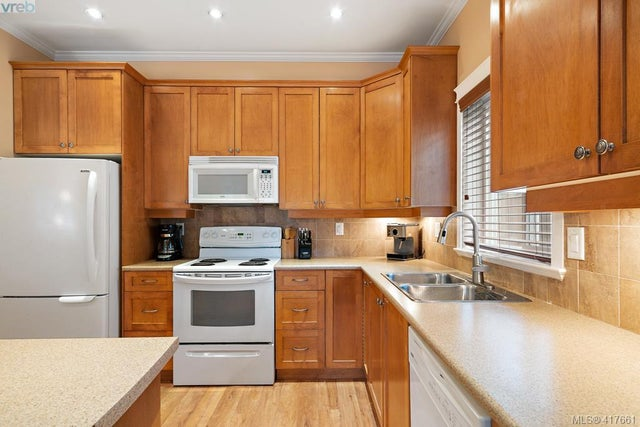 2790 Lakeshore Pl - La Langford Lake Single Family Detached for sale, 3 Bedrooms (417661) #8