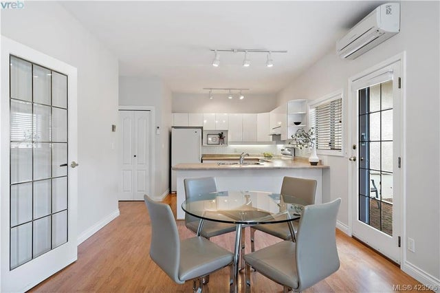 54 4318 Emily Carr Dr - SE Broadmead Row/Townhouse for sale, 2 Bedrooms (423506) #3