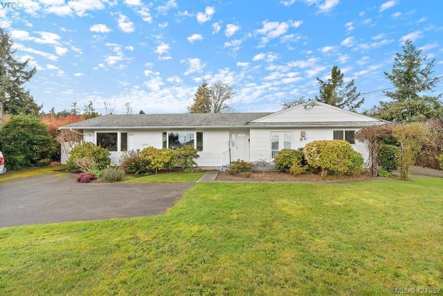 8656 Bourne Terr - NS Bazan Bay Single Family Detached for sale, 4 Bedrooms (424352) #1