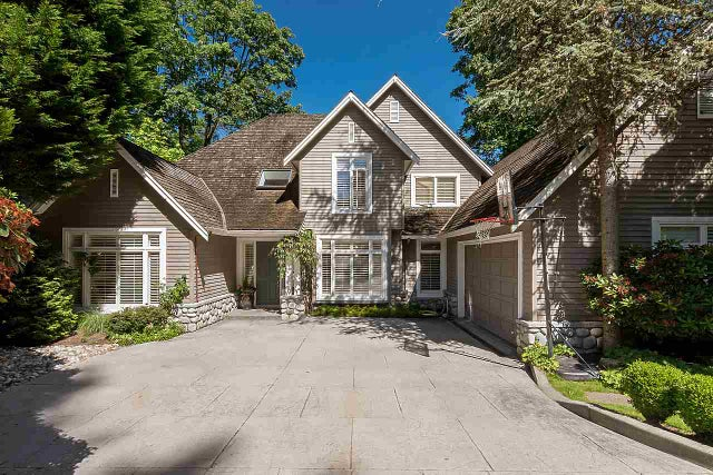 2901 TOWER HILL CRESCENT - Altamont House/Single Family for sale, 6 Bedrooms (R2182950) #1