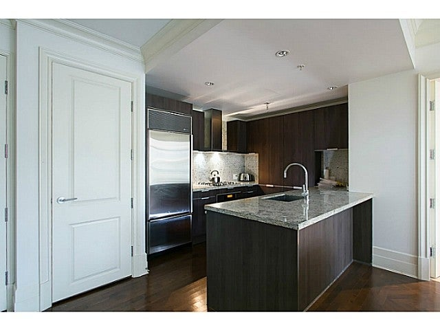 # 303 540 WATERS EDGE CR - Park Royal Apartment/Condo for sale, 2 Bedrooms (V987599) #2