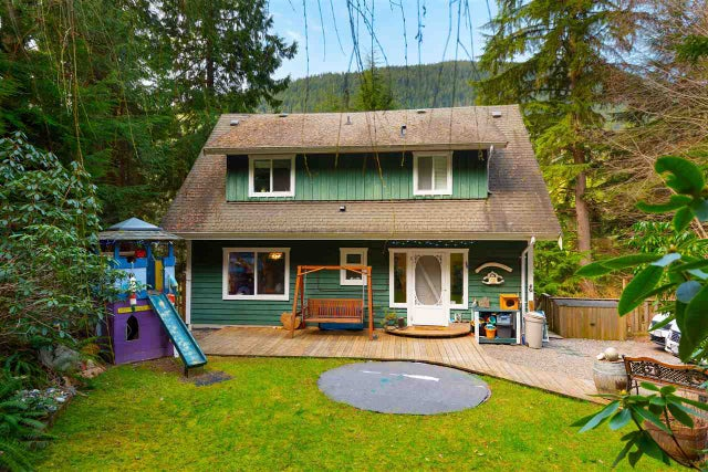 1233 Adams Road - Bowen Island House/Single Family for sale, 4 Bedrooms (R2552405) #1