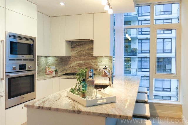 812 175 VICTORY SHIP WAY - Lower Lonsdale Apartment/Condo for sale, 2 Bedrooms (R2402237) #1