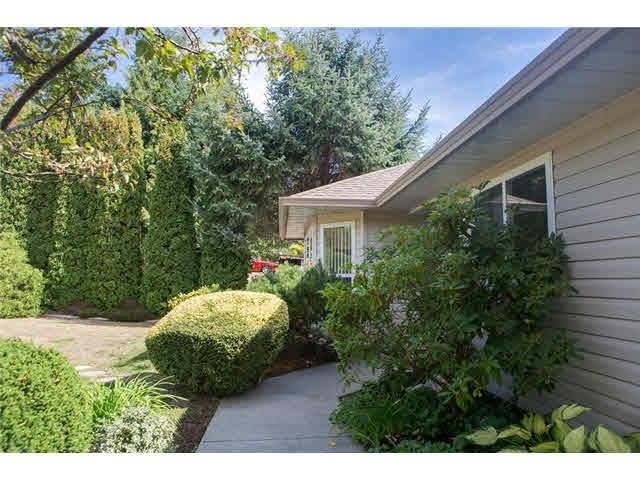 6417 LLOYD AVENUE - Sechelt District House/Single Family for sale, 3 Bedrooms (V1143066) #2