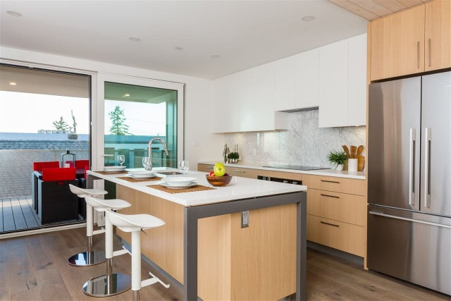 738 E 3RD STREET - Queensbury 1/2 Duplex for sale, 6 Bedrooms (R2424181) #2