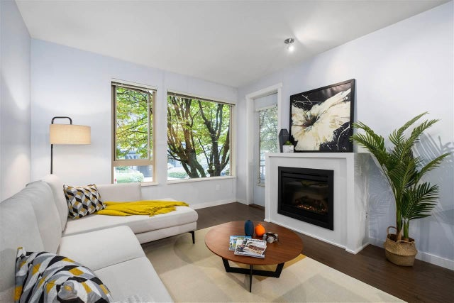 215 119 W 22ND STREET - Central Lonsdale Apartment/Condo for sale, 2 Bedrooms (R2523494) #1